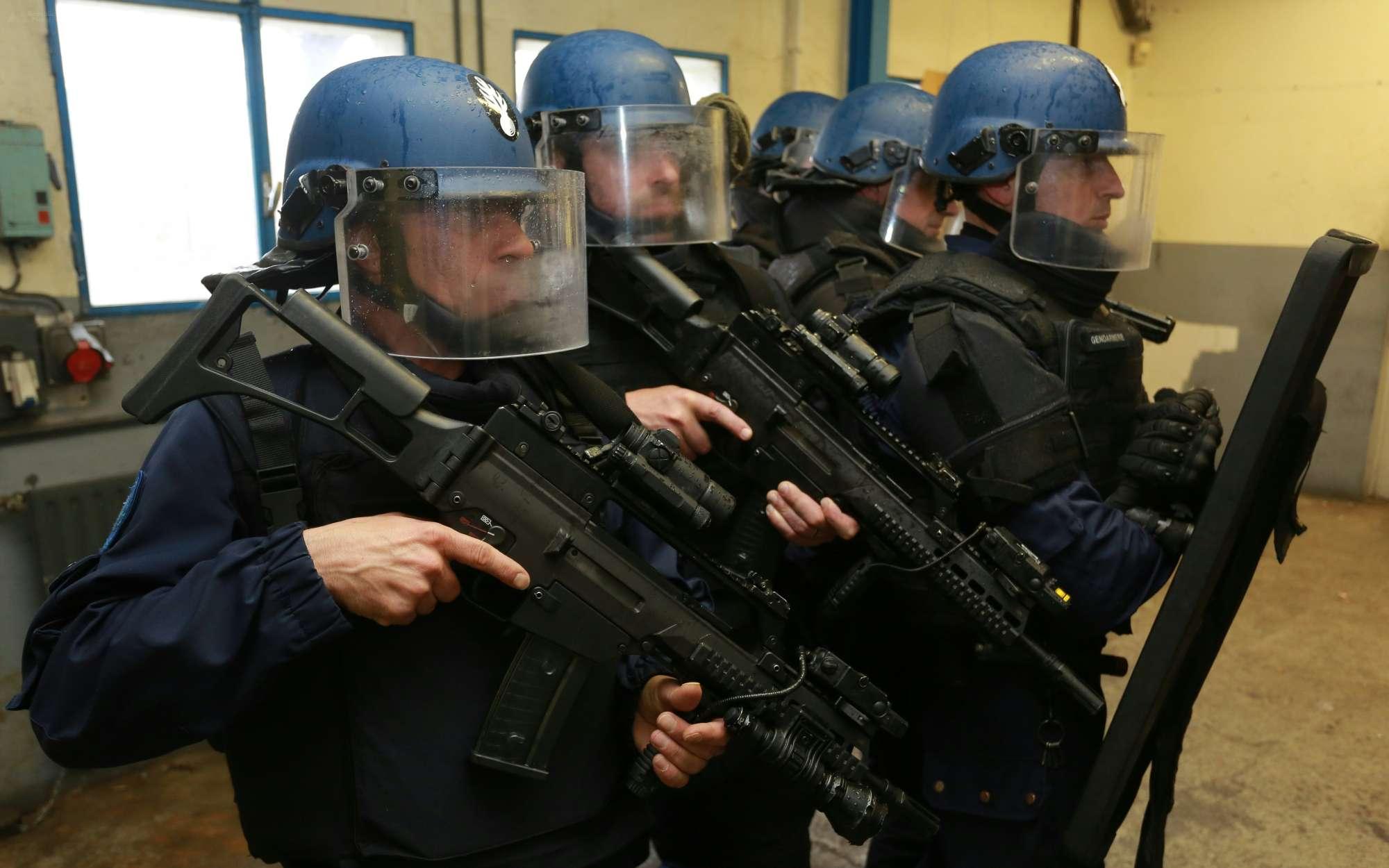Album photo nom de code sabre gendarmerie for Gendarmerie interieur gouv fr gign
