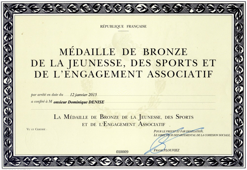 dominique-denise-medaille-jeunesse-et-sports-engagement-associatif-karate-seinomarin-2.jpg