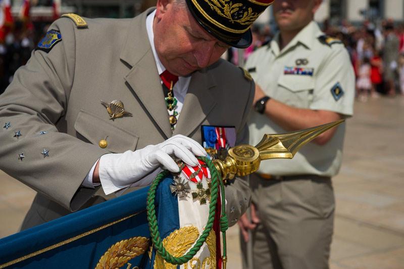 decoration-du-drapeau-du-126e-ri.jpg