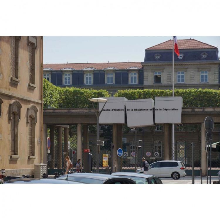 esplanade-robert-de-saint-vincent.jpg