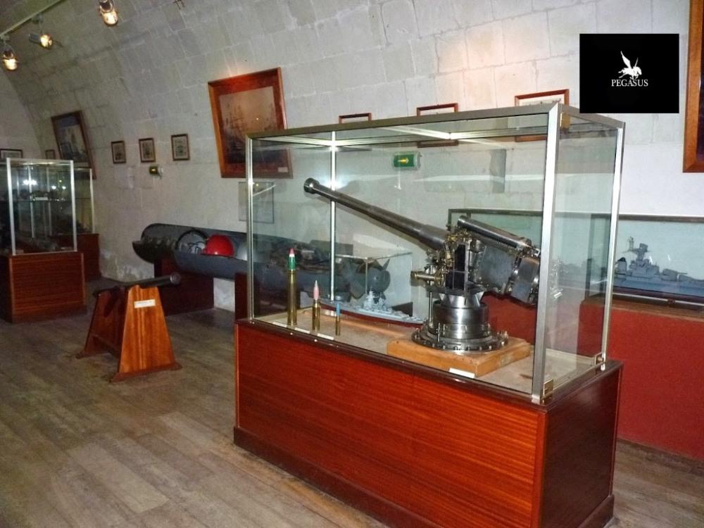 Musée-de-la-Marine-à-Port-Louis-5.jpg