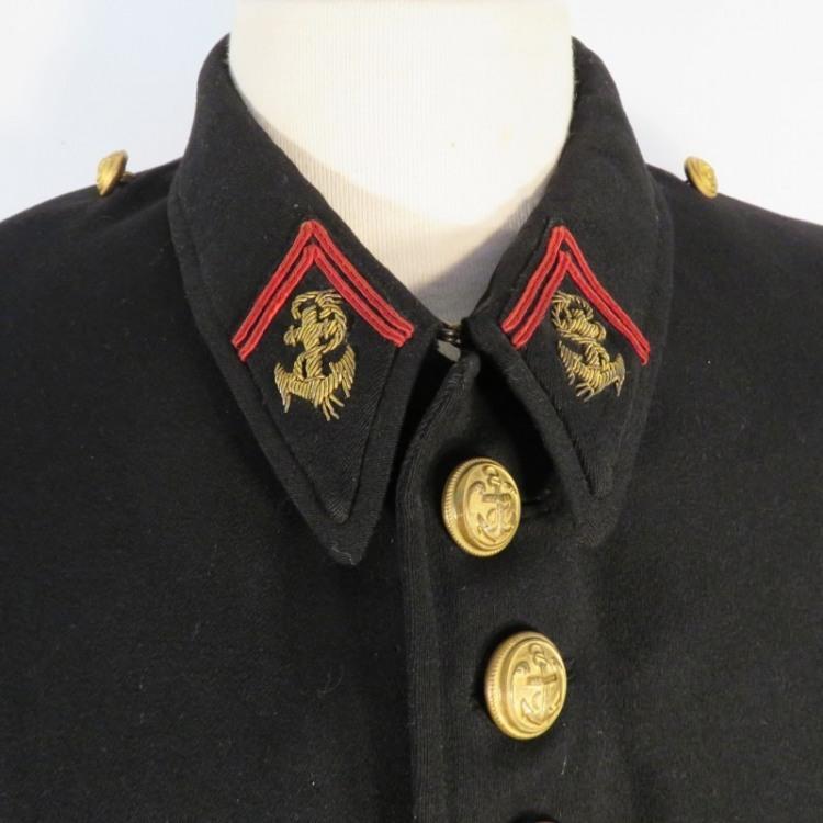tenue-uniforme-de-sous-officier-de-l-infanterie-coloniale-modele-annees-30-veste-et-culotte.jpg