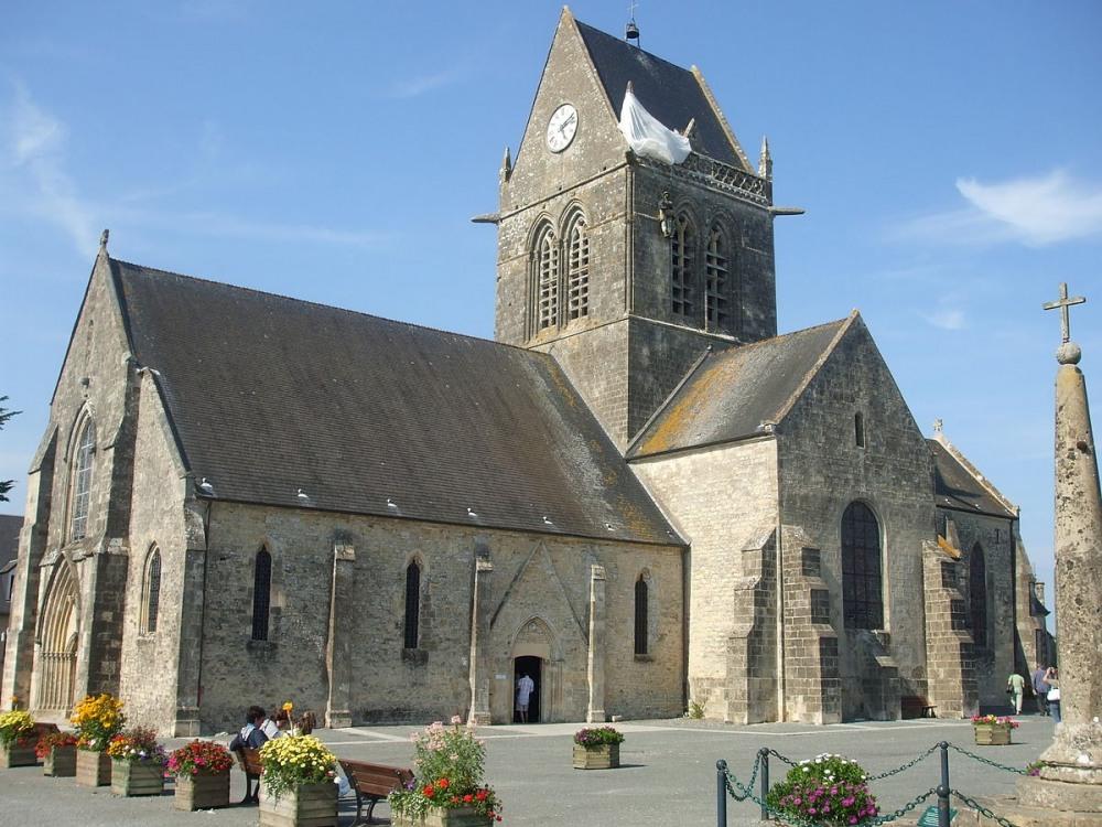 1200px-Église_Notre-Dame-de-l'assomption.JPG