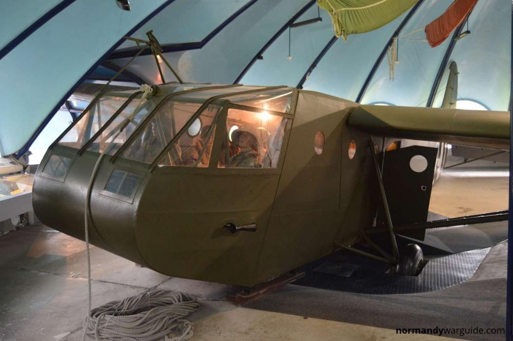 musee-airborne-waco-glider-front.jpg